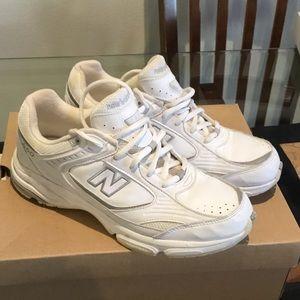 New Balance Shoes - 🛍New Balance 660 Walking Tennis Shoes size 9